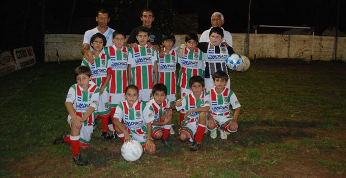 El Club Sportivo Canale recibe subsidio por su 30º aniversario del torneo infantil