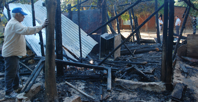 La Municipalidad brinda apoyo a vecinos por incendio y caída de árboles