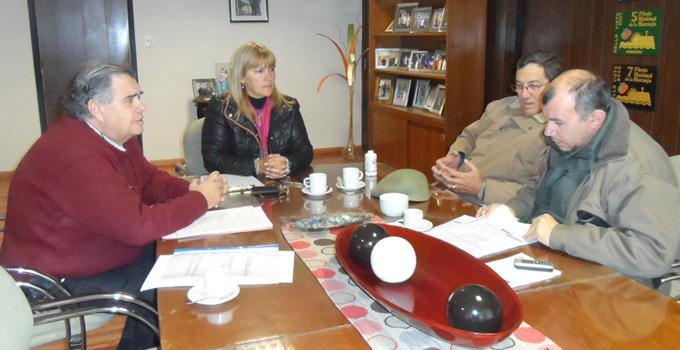 La Intendente Nancy Sand se reunió con referentes de la Cooperativa de Electrificación Rural