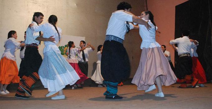 """La Municipalidad de Bella Vista auspició el """"Bella Danzas 2013"""""""