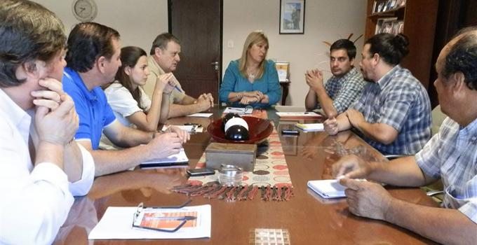 La Intendente Nancy Sand y el INTA preparan la Expo – Frutos 2013