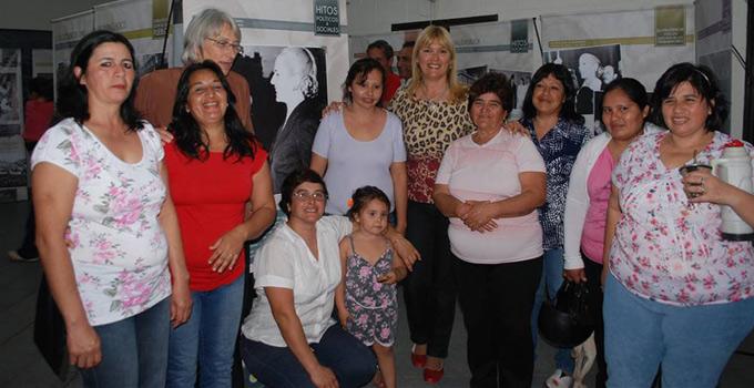"""La Intendente Nancy Sand inaugura la Muestra """"Eva Perón mujer del Bicentenario"""""""