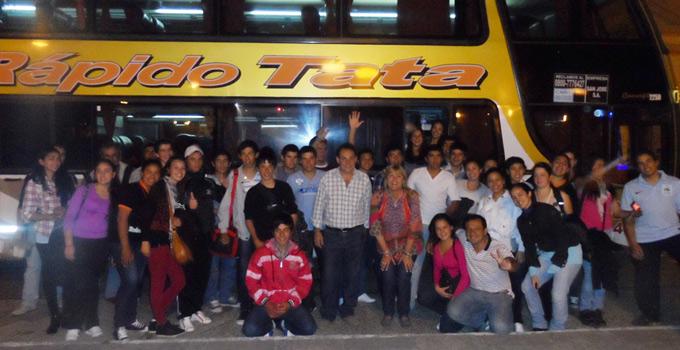 50 personas más, entre alumnos y profesores viajan a Tecnópolis
