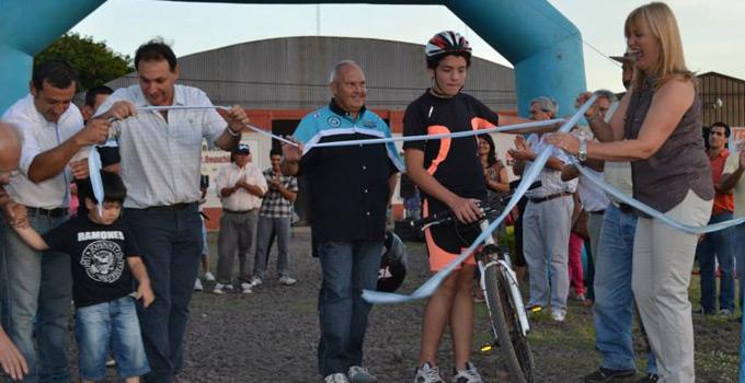 Nancy Sand inauguró 6.000 metros de bicisenda en Bella Vista