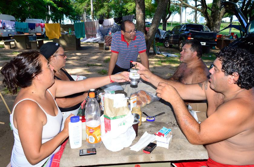 El parque Cruz de los Milagros recibe turistas de todo el país