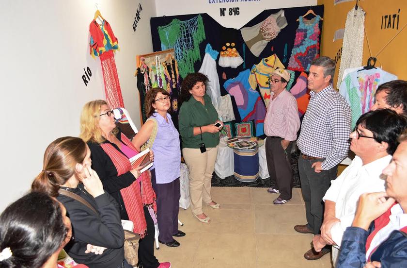 Artesanos celebraron su día en Casa de la Cultura