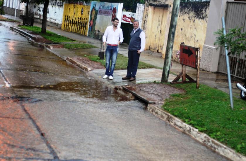 Autoridades verifican sistemas de desagüe