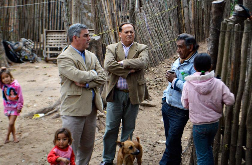 Chavez en el Bº Unido por la crecida del Paraná