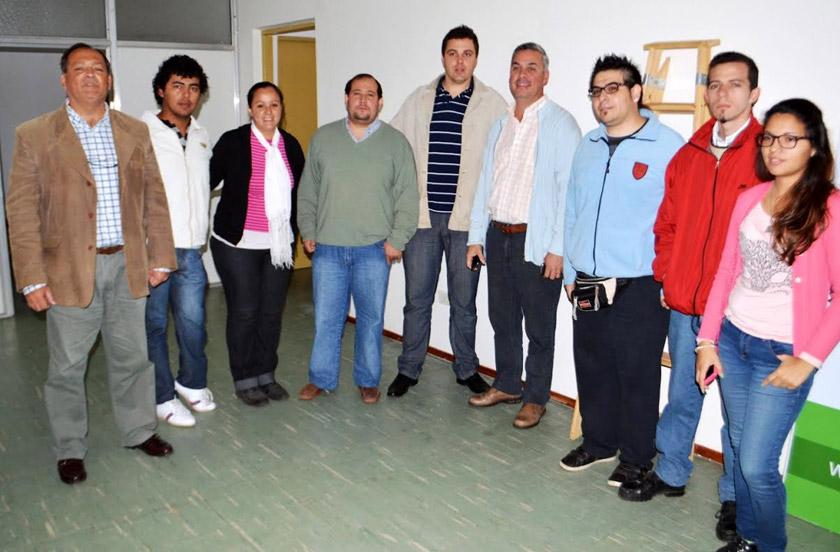 El municipio donó material informático al IFD