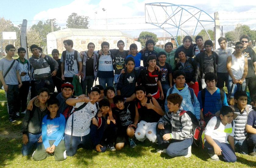 Escuela de Rugby en amistoso con Goya