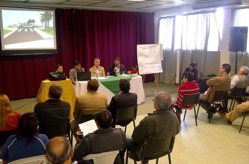 Chavez presentó obras innovadoras en Microcentro y Costanera