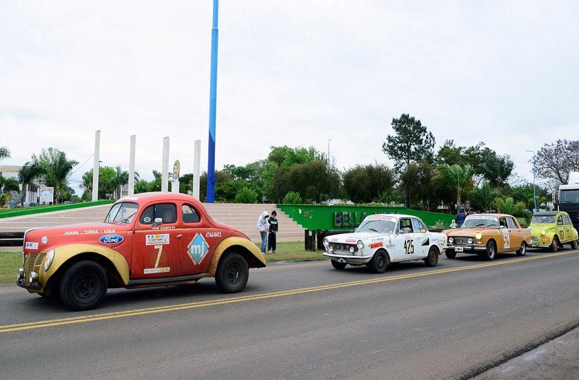 El Gran Premio Histórico Argentino de paso por Bella Vista