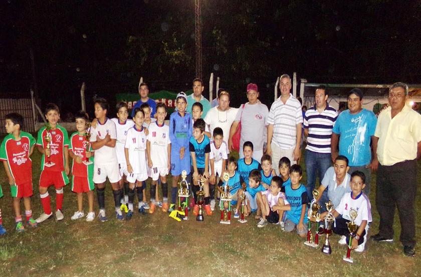 Actividades oficiales en contacto con el deporte local