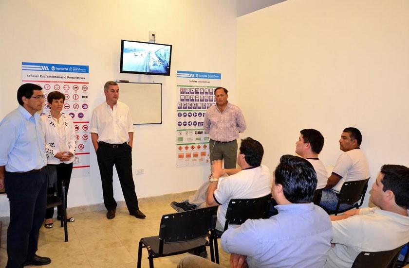 Municipio capacita a personal de INTA
