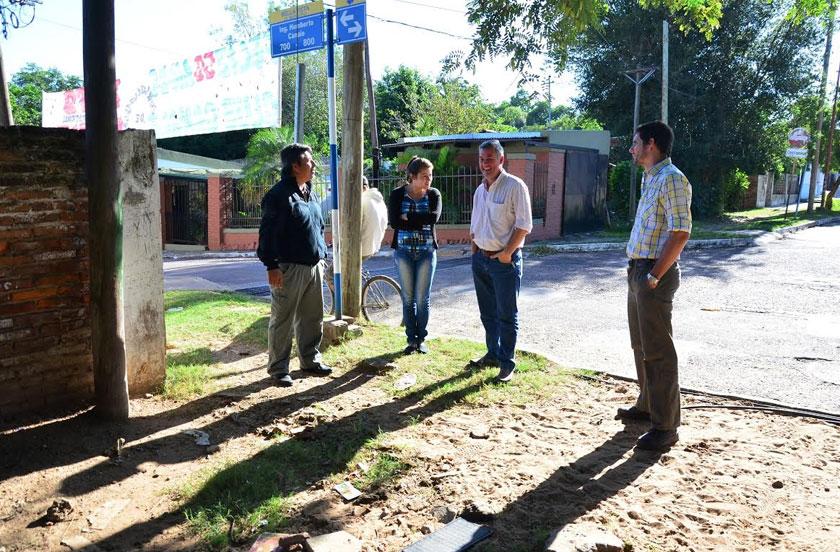 Comisión vecinal de Bº Canale con el intendente municipal