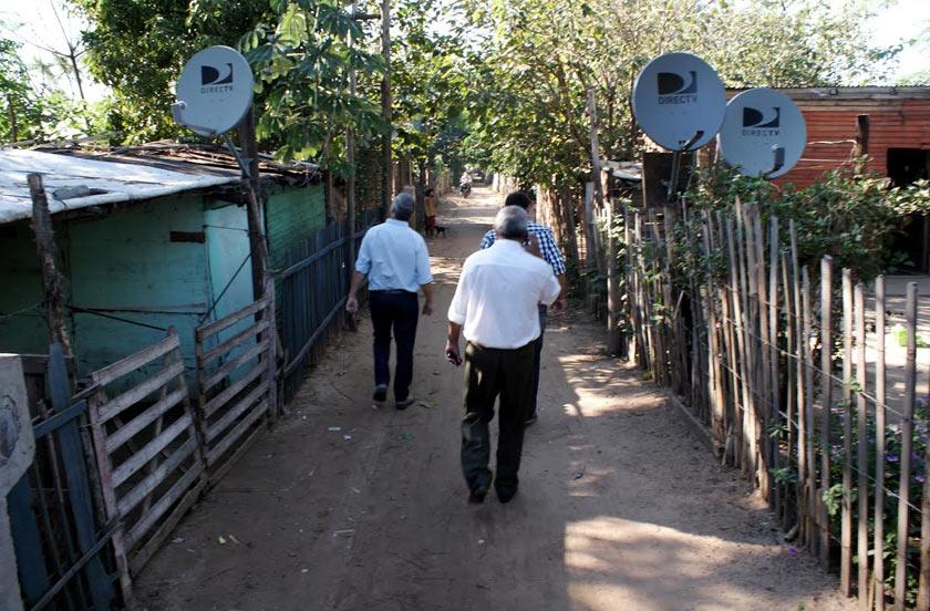 Obras de electrificación en Barrio Transportista