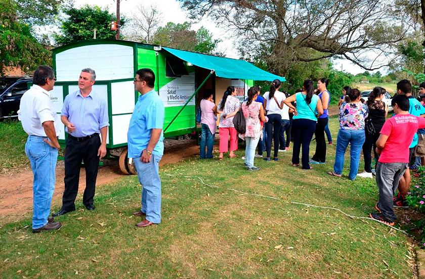 Chavez presentó el Consultorio Móvil en Lomas Este