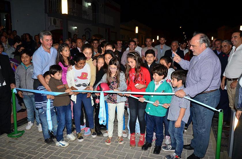 Chavez y Colombi inauguraron la Peatonal de calle Salta