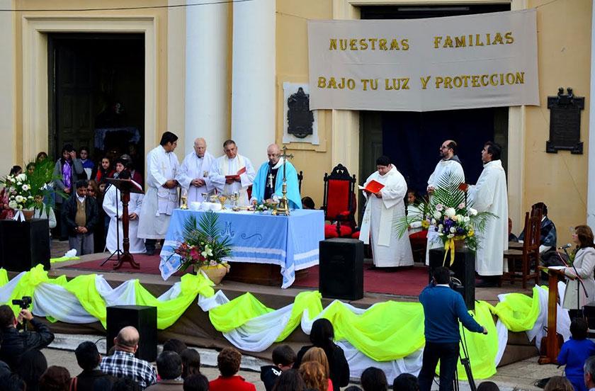 Multitudinarios homenajes a la Virgen del Carmen