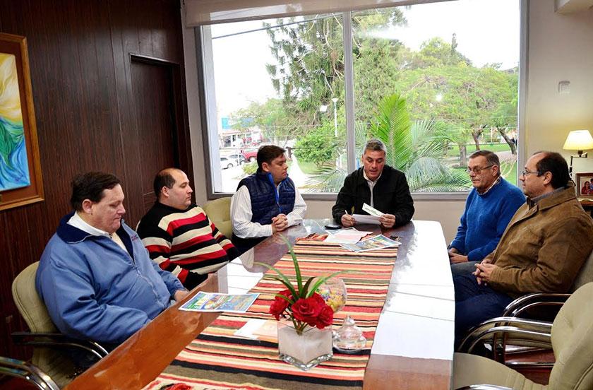 Chavez entregó fondos a la Asociación de Pesca y Turismo