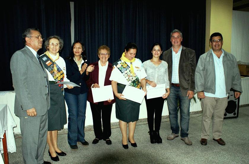 Chavez en la entrega de certificados de Comida Vegetariana