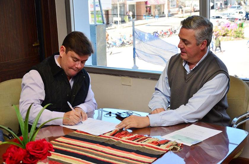 Chavez entregó subsidio por $120.000 a la Asociación de Pesca