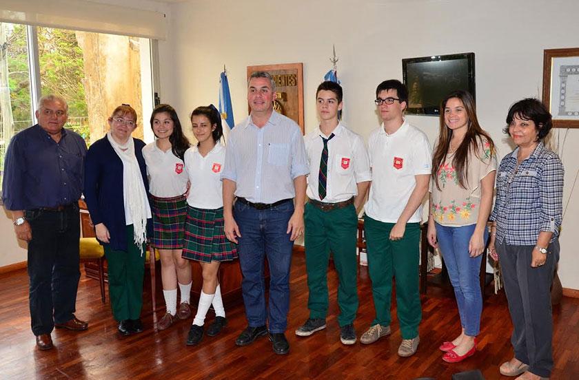 Chavez recibió a los campeones nacionales de biología