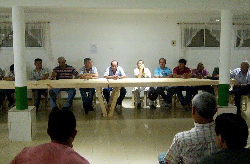 Chavez se reunió con la Asociación de Fútbol de Veteranos