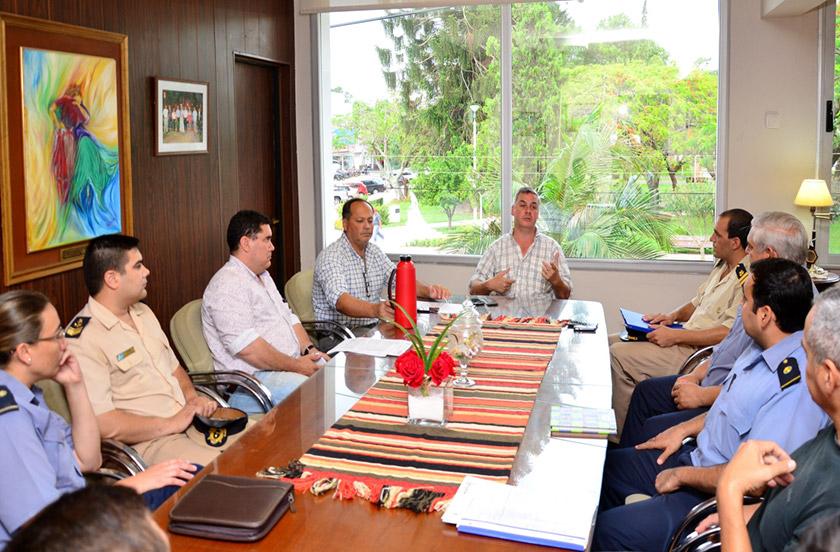 Chavez evaluó medidas de prevención para la temporada de verano