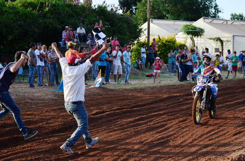 El MX Correntino corrió el Coronación 2015 en Bella Vista