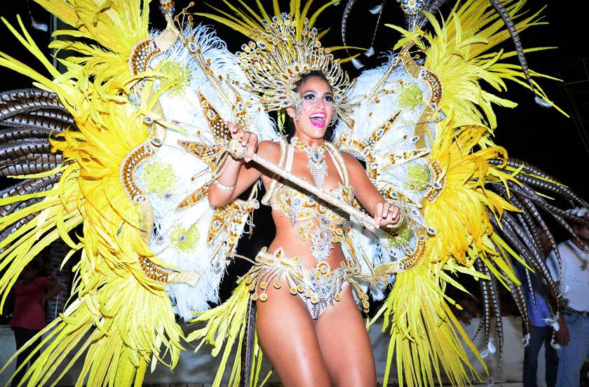 Bella Vista muestra su carnaval 2016