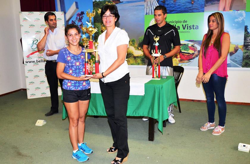 Entregan premios del 7º Torneo de Voley Libre