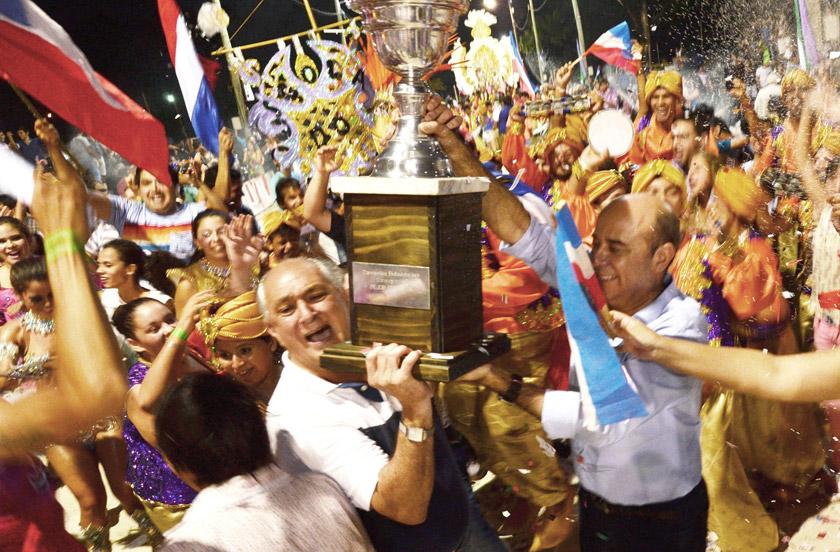 Sapucay la gran campeona de los Corsos Oficiales