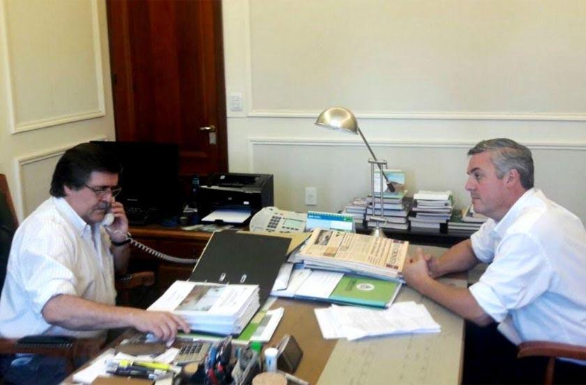 Chavez en reunión con ministros de la Provincia