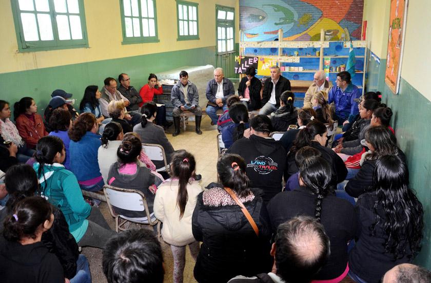 Chavez y su gabinete en Lomas Este