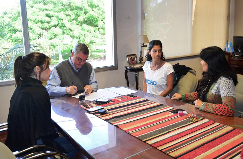 La Municipalidad de Bella Vista firmó convenio con TECHO