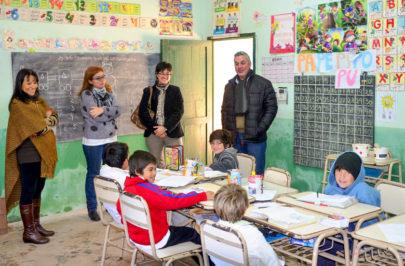 Chavez visitó la Escuela Rural Nº 19