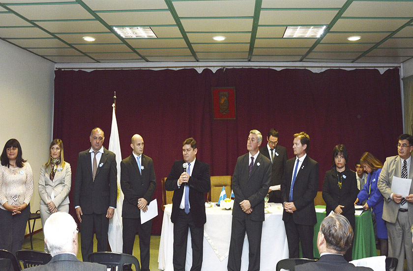 Bicentenario con homenajes a ex funcionarios públicos