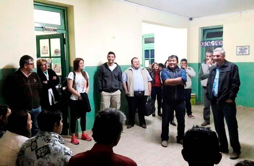 Chavez en reunión con vecinos de Lomas Este