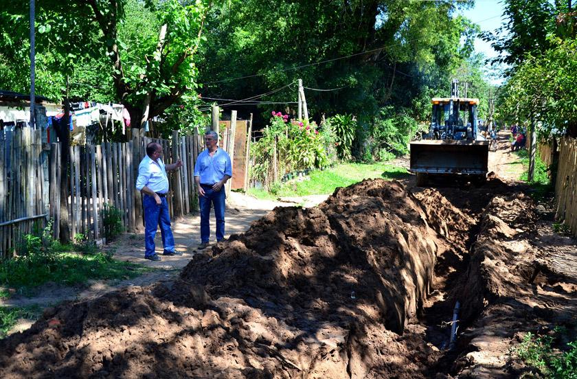 Chavez recorrió obras de ampliación de redes de agua en Bº Norte