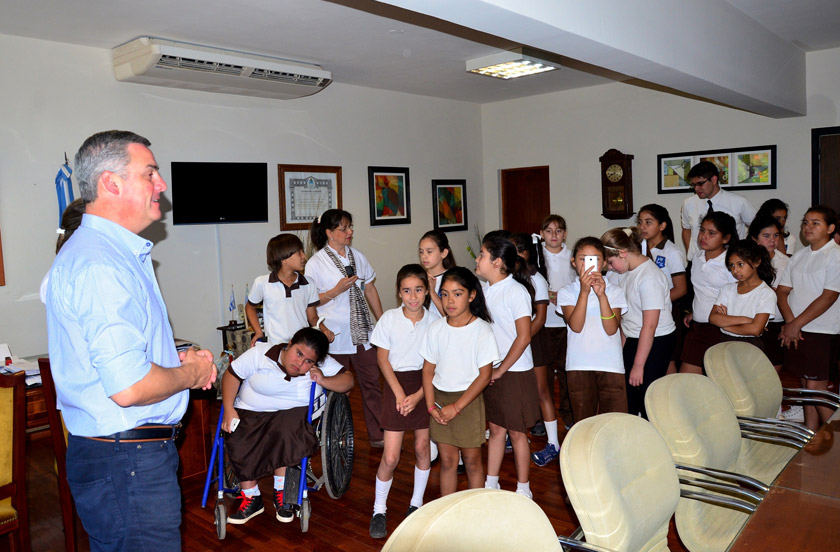 Escuela primaria visita los poderes del Estado Municipal