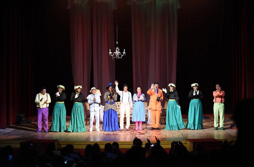 Teatro solidario en la Casa de la Cultura