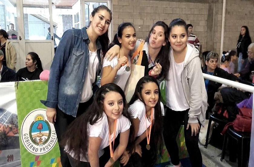 Danzas bellavistenses premiadas en Curuzú Cuatiá