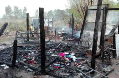 Familias asistidas tras incendio en barrio Transportista