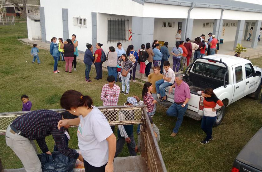 El gobierno asiste a familias rurales a traves de IDERCOR