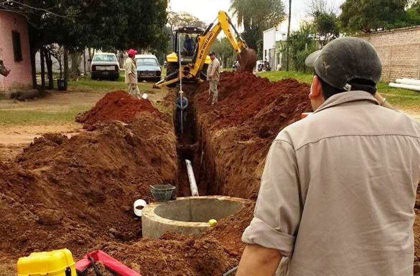 El municipio amplía redes cloacales y de agua potable