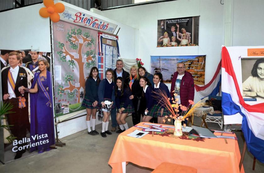 Descendientes de holandeses en la Feria del Libro