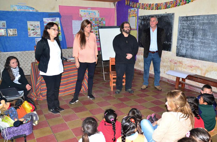 Visita oficial a la Escuela Nº 22 de Colonia Progreso