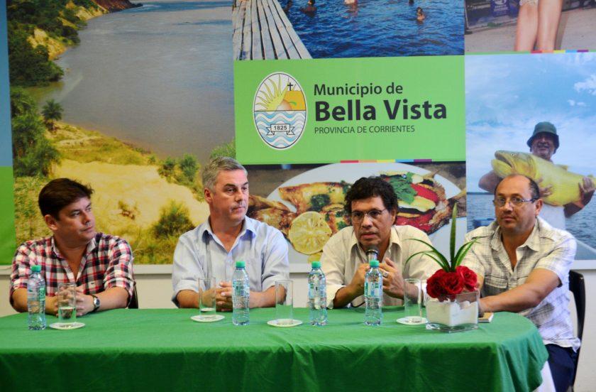 Bella Vista abre su temporada de verano con un mega desfile