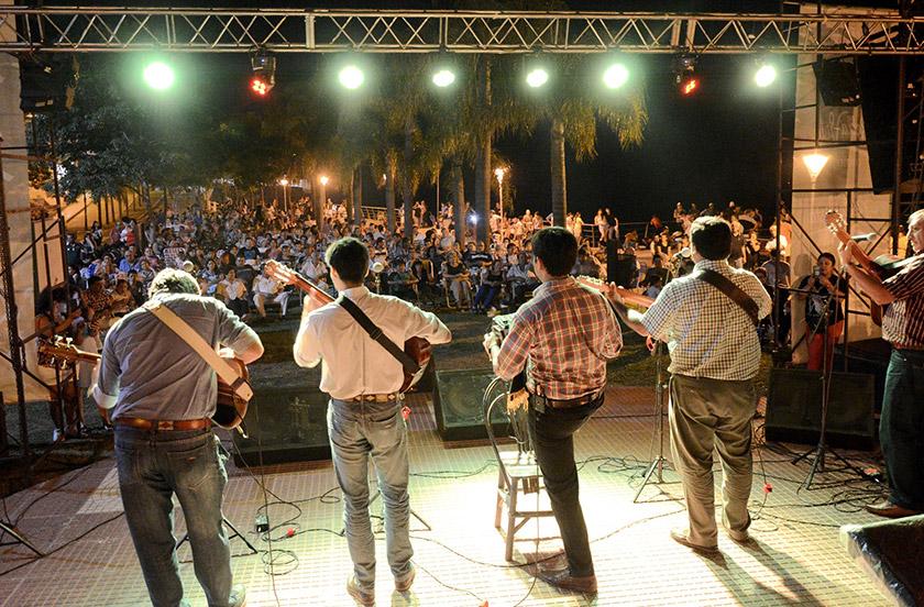 Musica en la Playa un éxito cultural a orillas del Paraná